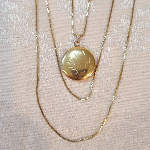 Jewelry vintage gold etched locket necklace with 3 chains poshmark m5a9d90062ae12feb865bd71c aloadofball Images
